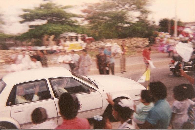 Juan Pablo II a su paso por el cementerio Xoclán
